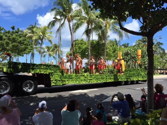 Kamehameha and court